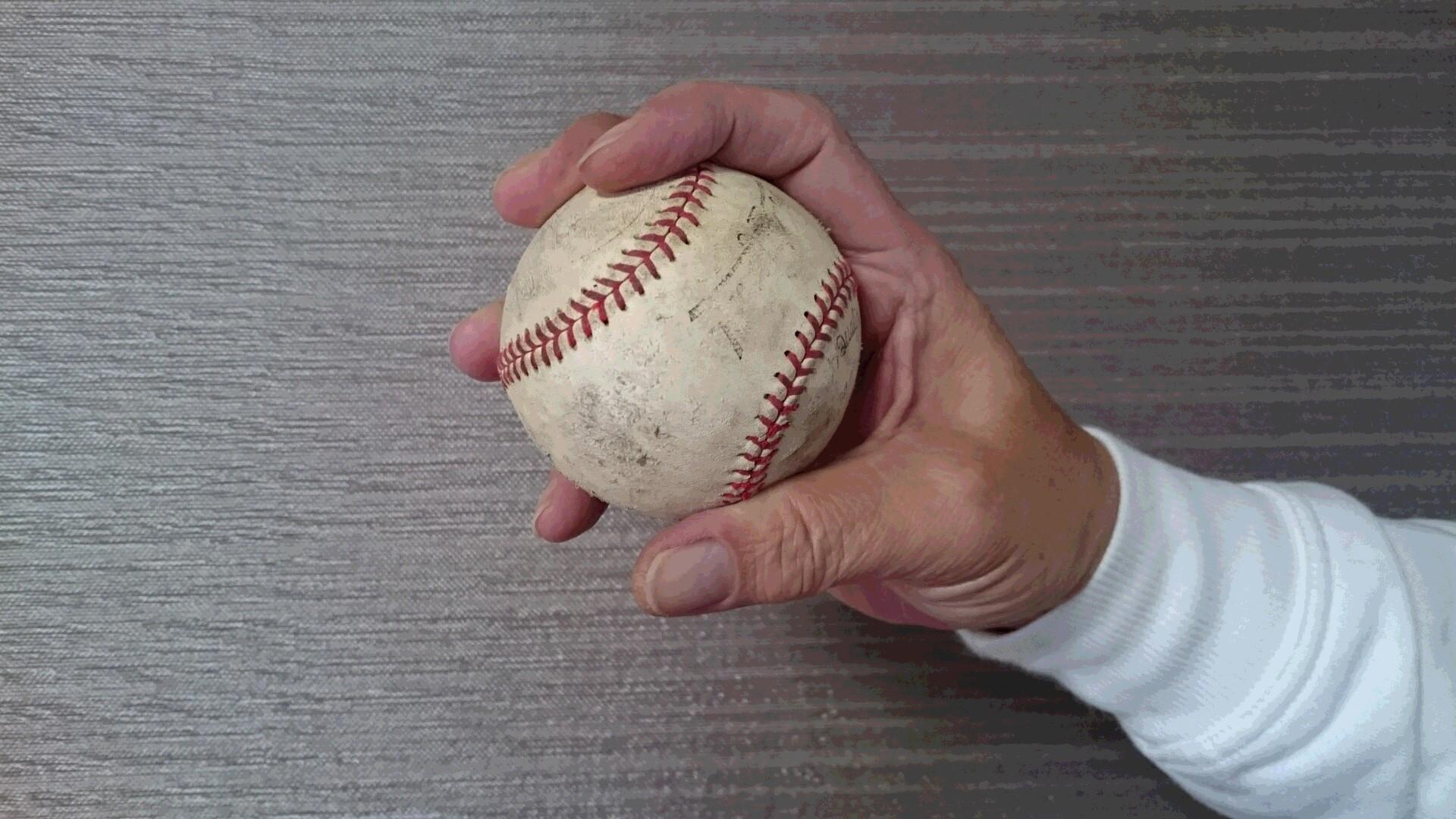 チェンジアップボールで5本指握り