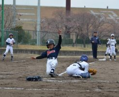 少年野球でもスライディングのやり方を教えること